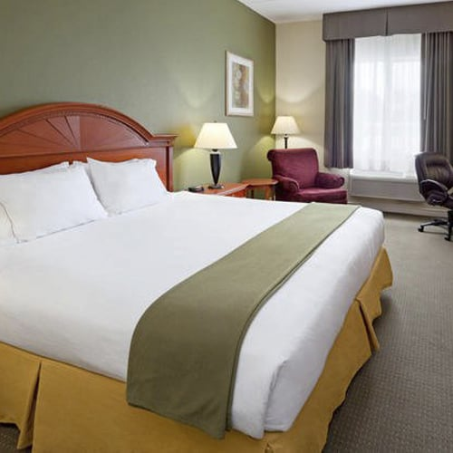 Gananoque / 1000 Islands Holiday Inn Express Hotel & Suites