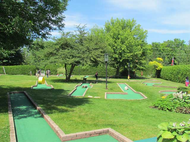 18 hole Mini Golf at Scenic Caves Nature Adventures