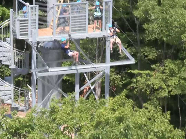 Thunderbird-Twin-Zipline-Take Off