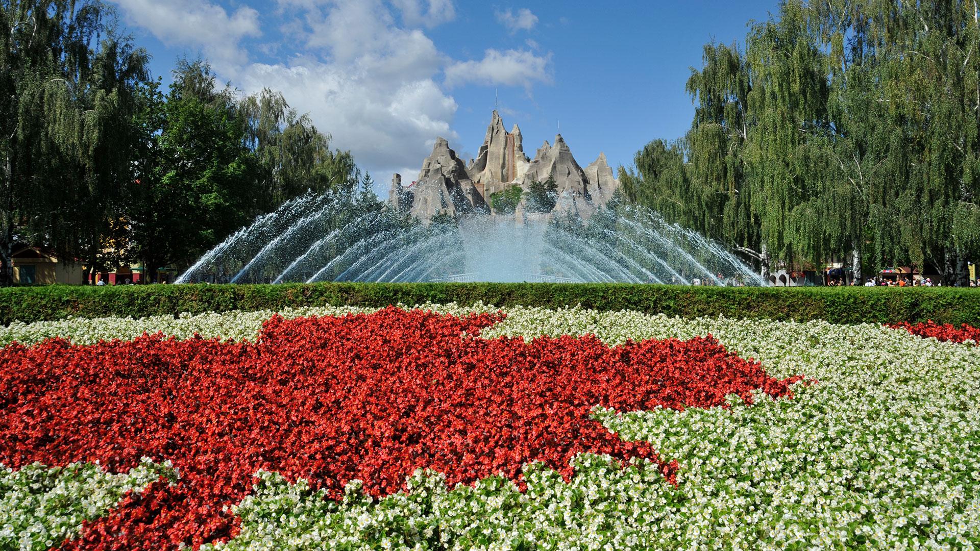 Canada's Wonderland - Royal Fountain