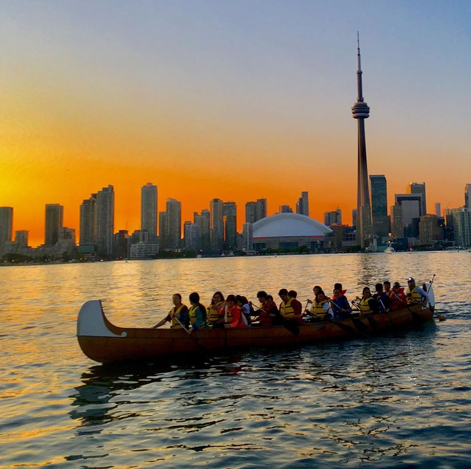 toronto islands sunset canoe tour